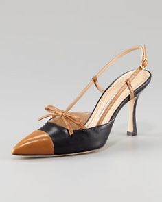 Manolo Blahnik Bicolor Slingback With Bow And Cap Toe