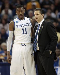 John Calipari and John Wall Photos - NCAA Basketball Tournament - Second Round - New Orleans - Zimbio Kentucky College Basketball, Ncaa Basketball Tournament, Kentucky Sports Radio, Wildcats Basketball, Basketball Leagues, Basketball Coach, Basketball Quotes, Basketball Training Equipment, Basketball Shorts Girls