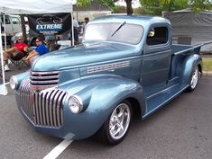 Chevy trucks aficionados are not just after the newer trucks built by Chevrolet. They are also into oldies but goodies trucks that have been magnificently preserved for long years. 1946 Chevy Truck, Chevy Pickup Trucks, Chevy Pickups, Chevrolet Trucks, Gmc Trucks, Chevy 4x4, Gmc Suv, Pickup Camper, Chevrolet 3100