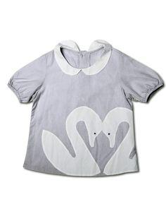 """Swan"" blouse - Djäknemåla Fine Clothing for Girls"