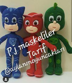 with ・・・ Iyi gunlerrr sonunda bitti 😍 fazlasiyla soruldu ve Crochet Fish, Crochet Bags, Free Crochet, Crotchet Patterns, Fish Patterns, Amigurumi For Beginners, Amigurumi Doll, Diy Toys, Stuffed Toys Patterns