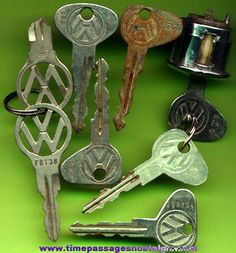 (8) Old Volkswagen Beetle Keys