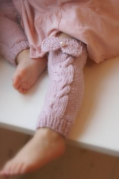 KNITTING  PATTERN leg warmers with a cable and bow Lisandra