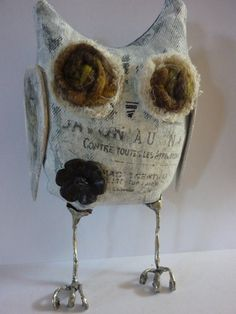 primitive and rustic chic owl - need this little guy for decoration
