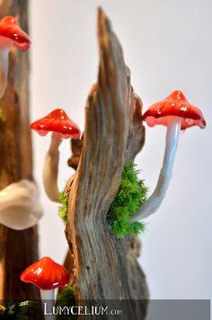 LUMYCELIUM - let you slip into an imaginary atmosphere. Fantasy lamps with lighting mushrooms. Welcome to the fantasy world of Lumycelium! Mushroom Crafts, Mushroom Decor, Polymer Clay Sculptures, Sculpture Clay, Fairy Crafts, Fun Crafts, Giant Mushroom, Mushroom Lights, Fall Clip Art