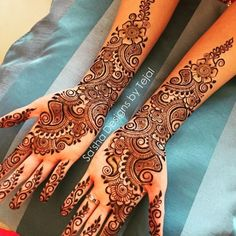 Arabic mehndi art is one of the most recognised trends in our country. Applying mehndi is a significant part of festivals, weddings, and special occasions. Best Arabic Mehndi Designs, Full Hand Mehndi Designs, Mehndi Designs For Beginners, Dulhan Mehndi Designs, Wedding Mehndi Designs, Mehndi Design Pictures, Beautiful Henna Designs, Indian Mehndi Designs, Mehndi Designs 2018