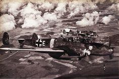 """Three Messerchmitt Bf-110s. In: Signaal (Speciale Uitgave van de """"Berliner Illustrirte Zeitung""""),1ste Augustus - Afl., Nummer 15/1943."""
