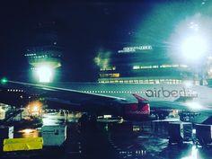 Hello Berlin-City. ✈️ Das contcept Berlin Team ist wieder in der Hauptstadt. Der Berliner Flughafen Tegel ist zwar ziemlich klein, aber wir mögen ihn trotzdem sehr! Habt Ihr einen Lieblingsairport? Welcher ist es & warum? . #storyteller #concept #contcept #event #pr #lifestyle #socialmedia #mediarelation #zurich #kreis5 #puls #lifepr #communication #airberlin #germany #switzerland #swiss #berlin #tegel #publicrelations #bnw_switzerland #blogger #berlintegel #airport #germanblogger…