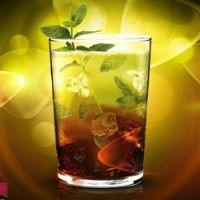 Stay fit and healthy just by benefiting from juicing. Food intake is important in our long term health and fitness. A good amount of vegatables and fruits will always be healthy for you. Tia Maria Cocktails, Long Drink, Fiber Rich Foods, Frappe, Fruit Juice, Health And Wellbeing, Cocktail Drinks, Fruits And Veggies, Yummy Drinks