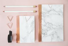 DIY Marble Copper Stationery DIY Marble Copper Stationery: www.stylemepretty The post DIY Marble Copper Stationery appeared first on School Ideas. Stationary Supplies, Stationary School, Cute Stationary, Stationary Organization, Stationary Items, Stationary Design, Paper Organization, Menu Design, School Organization