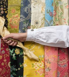 Bilderesultat for damaskkjol Folk Costume, Costumes, Going Out Of Business, Traditional Outfits, Damask, Floral Tie, Norway, Scandinavian, Inspiration