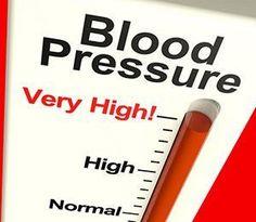 Hoge bloeddruk verlagen zonder medicijnen? Lees hier hoe je met natuurlijke aanpassingen in voeding en leefstijl een hoge bloeddruk kunt verlagen.