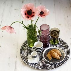 Amara - Marimekko breakfast in bed Dresser La Table, Breakfast In Bed, Marimekko, Kitchenware, Kitchen Dining, Dishes, Table Decorations, Ethnic Recipes, Favorite Things