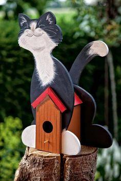 Ein Vogelhaus in Katzenform. Auch Katzen haben Vögel gern, zumindest bei uns. Gestlaten Sie nach Ihren Wünschen und lassen Ihren Ideen freien Lauf