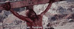 - Por que, quando estava livre, fez milagres impressionantes, mas quando estava preso não fez nada para aliviar a sua dor?