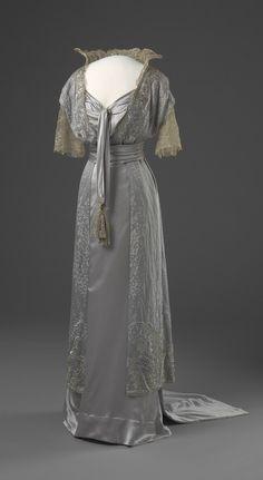 Dress  1913-1914  Nasjonalmuseet for Kunst, Arketektur, og Design