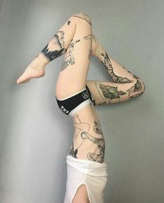 Leg tattoos is a great choice and idea for both men and women. Discover a timeless selection of the top 100 best badass tattoos for men and women. Body Art Tattoos, Girl Tattoos, Tattoos For Guys, Tattoos For Women, Tatoos, Sexy Tattoo Girls, Stomach Tattoos, Tattoo Gallery, Gallery Gallery