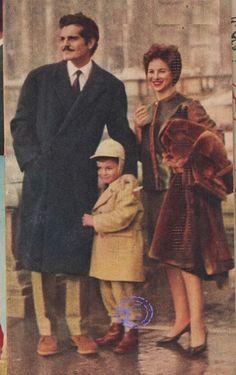 مع ابنهم طارق Omar Sharif with wife Faten Hamama & their son Tarek