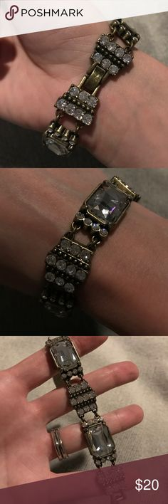 Lia Sophia costume crystal bronze bracelet NEW This bracelet is very fashionable and would go with any outfit. Crystal and bronze metal. Super cute costume bracelet Lia Sophia Jewelry Bracelets