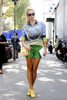 Street Style: Brilliant Color Combinations to Inspire Your Spring Look - theFashionSpot