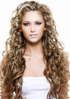 Long curly hair under control ; Curly Hair Tips, Long Curly Hair, Beautiful Long Hair, Gorgeous Hair, Curling, Curled Hairstyles, Cool Hairstyles, Textured Hairstyles, Curly Hair Problems