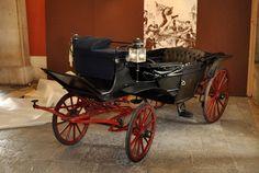 Landau do Regicídio, o primeiro coche a ser transferido para o novo edifício (©TSF/Jose Manuel Cabo)