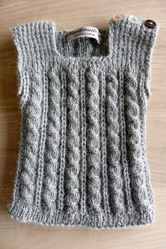 Image Of Carl Babyvest Str. Knitting For Kids, Baby Knitting Patterns, Lace Knitting, Baby Vest, Baby Cardigan, Crochet Baby, Knit Crochet, Baby Barn, Knitted Baby Clothes