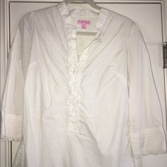 Lilly Pulitzer 3/4 Sleeve White Cotton Top 3/4 Sleeve White Cotton Top Sz 6 Missing a button.      **Will sell for less on Ⓜ️ercari*** Lilly Pulitzer Tops