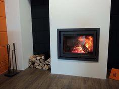 Moderne inzethaard met een dubbele omlijsting, brandend op hout | Profires partner Reijnhoudt & van der Zwet · inspiratie voor sfeerverwarming