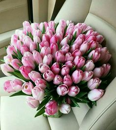 ❤️❤️❤️❤️ - My site Beautiful Bouquet Of Flowers, Beautiful Flower Arrangements, Amazing Flowers, Floral Arrangements, Beautiful Flowers, Tulip Bouquet, Yellow Tulips, Pink Roses, Pink Flowers