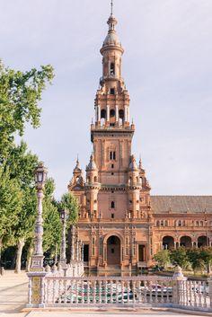 Golden Morning Glow At Plaza de España, Seville - Gal Meets Glam
