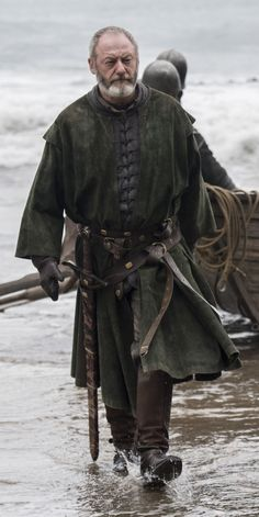 Liam Cunningham Discusses The Key Line You Might Have Missed In The 'Game of Thrones' Finale The actor talked about a popular Davos fan theory Game Of Thrones Series, Game Of Thrones Cast, Davos, Winter Is Here, Winter Is Coming, Larp, Liam Cunningham, Game Of Thrones Costumes, Got Dragons