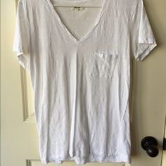 Madewell White V Neck Sz M Perfect condition. Worn only a few times. Just needs tumbled in the dryer to have the wrinkles come out. Madewell Tops Tees - Short Sleeve