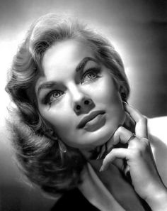 Marjorie Hellen (born March an American actress who worked under the name Leslie Parrish after she changed it in She is also an activist, an environmentalist, a writer, and a producer. Face Photography, Photography Women, Black And White Portraits, Black And White Photography, Vintage Hollywood, Classic Hollywood, Girl Face, Woman Face, Leslie Parrish