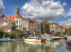 Dordrecht ligt op een eiland dat is omgeven door rivieren: Beneden Merwede, Nieuwe Merwede, Hollands Diep, Dordtse Kil en Oude Maas. Het ontstond in 1421, …