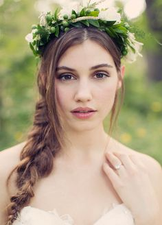 When it comes to wedding hairstyles, it's hard to find a look that's more romantic than a braid. They're picturesque, fuss-free and will never go unnoticed- making a plait the perfect choice for your Big Day. Tying the knot this year? Here are the 10 best wedding braids that you've got to try: 1. We