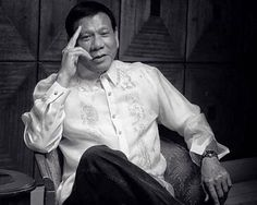 Rodrigo Duterte is on the brink of winning the Philippine presidential election, but he is being compared to Donald Trump, which is bad news. President Of The Philippines, Life Hacks Websites, Best Of 9gag, Rodrigo Duterte, Battlefield 4, Bad News, Presidential Election, Best Funny Pictures, Reign