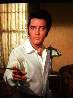 ELVIS MONTH Day 30 The Trouble With Girls (1969) | Ruby Canoe