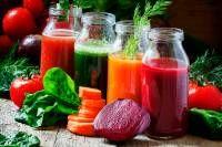 Erfolgreiches Abnehmen ist keine Frage einer einseitigen Diät, sondern einer ausgewogenen Vollwerternährung. Diese zehn Lebensmittel helfen dabei.
