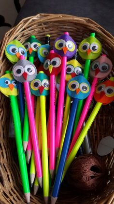 # Easy Crafts with crayons Farm Crafts, Owl Crafts, Preschool Crafts, Diy Crafts For Kids, Gifts For Kids, Pencil Topper Crafts, Pencil Toppers, Easy Art For Kids, Crayon Crafts