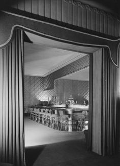 Vintage Photographs of Swanky Nightclub Interiors from the Rat Pack Era – Flavorwire