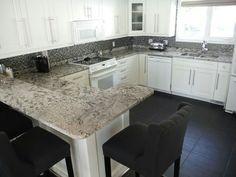 Granit arbeitsplatten  Robuste und glänzende #Bianco #Antico #Arbeitsplatten strahlen in ...