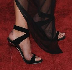 Shoe Stalking at the MTV Video Music Awards 2013 — Part 2