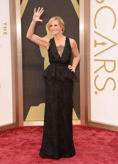 Julia Roberts/ジュリア・ロバーツ、ぺプラム&レースがすてきなジバンシーのドレスで #Oscars #RedCarpet!