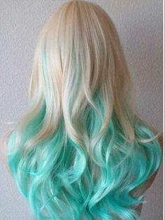 Riosabel 🥀 cabello ♀ en 2019 dyed hair, hair styles y curly Hair Dye Colors, Ombre Hair Color, Blonde Color, Cool Hair Color, Teal Hair, Blue Ombre, Turquoise Hair, Ombre Brown, White Ombre