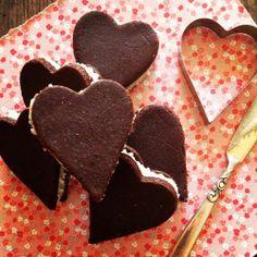 Chewy Paleoleos for Valentine's Day by www.thespunkycoconut.com @thespunkycoconut #paleo