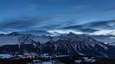 Foto: Lights & Clouds  Die frühmorgentlichen Lichter der Lenzerheide/Lai, flankiert vom Parpaner Rothorn (mit Gipfellicht) und dem markten Lenzerhorn.  http://tiefblicke.ch/portfolio/schweiz/graubuenden  #Graubünden #Grischun #VivaLaGrischa #Switzerland #Schweiz #Suisse #Svizzera #Lenzerheide #Lai #Night #Nightphotography #Clouds #Lights #Rothornz #Lenzerhorn  +BTP Landscape Pro +Landscape Photography +HQSP Landscape +Mountain Photos +Photo Mania Schweiz +Lenzerheide Switzerland…