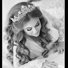 Regal bride Jacklyn rocking her statement Swarovsi tiara and getting ready to start her fabulous wedding day!