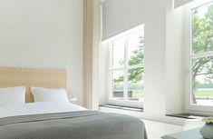 De kamers Bed And Breakfast, Hotels, Room, Destinations, Furniture, Home Decor, Bedroom, Decoration Home, Room Decor