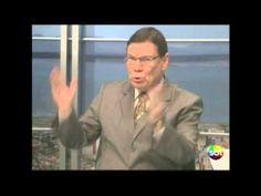 """Quem é o Lula? - Comentário de Luiz Carlos Prates = 2013 SBT Meio Dia . FACE /4 de julho de 2013 às 22:48 ·  Alguma vez o """"Nunca antes na história deste país"""" foi coerente com algo? 'Interesses' o fazem pensar """"SER"""" o que é! Apenas interesses...."""